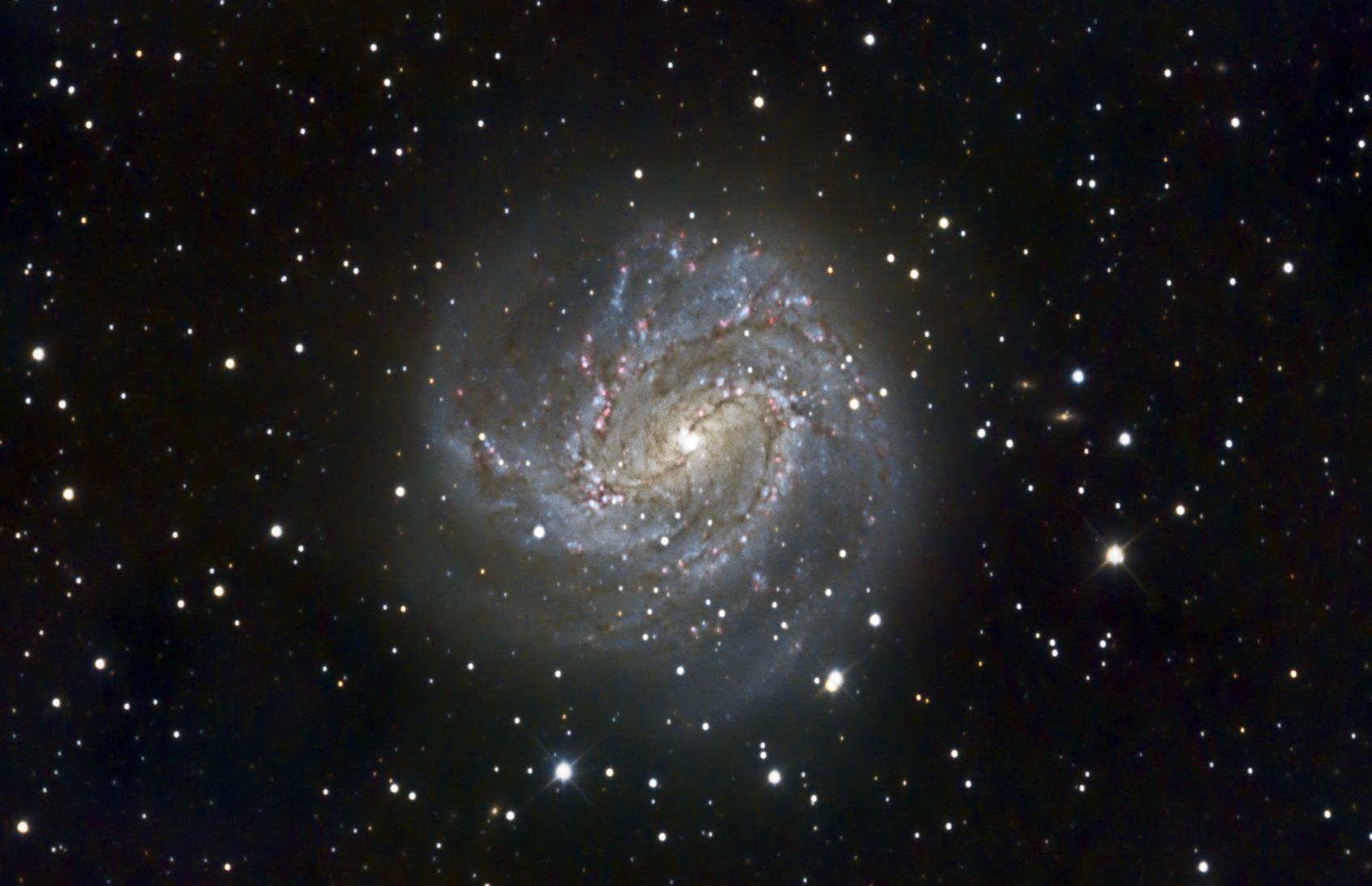 M83_LRGB